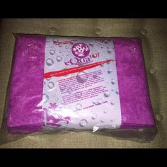 "NEW MANDUKA KINDRED EQUA HOT YOGA YOGI MAT TOWEL NEW Manduka eQua HOT yoga towel in KINDRED (fuschia). All pictures are of the same towel in different light. It appears more pink than purple, closer to the last photo.  • 2 lbs; 72"" x 26.5"" (Standard 72'') • Ideal for Bikram, Vinyasa Flow, and Power Yoga • Provides a dry and slip-resistant surface for high intensity yoga sessions • ""Split"" microfiber technology for optimized moisture absorption, evaporation, and ""wet-grip"" • Fabric becomes…"