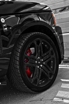 ♂ Masculine & elegance car details Range Rover 'Black Vogue' by Project. Range Rover Rims, Range Rover Black, Range Rover Evoque, Range Rover Sport, Range Rovers, Rims For Cars, Suv Cars, Car Rims, Volkswagen