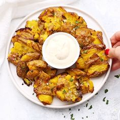 These crispy seasoned smashed potatoes have it all Theyre perfect tasty appetizer or side dish. Smashed Potatoes Recipe, Roasted Potatoes, Vegan Appetizers, Appetizer Recipes, Potato Appetizers, Vegetarian Recipes, Cooking Recipes, Vegan Meals, Vegan Side Dishes
