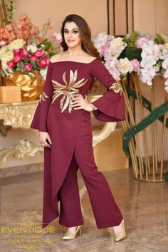 Indian Gowns Dresses, Indian Fashion Dresses, Indian Designer Outfits, Pakistani Dresses, Stylish Dresses For Girls, Stylish Dress Designs, Casual Dresses, Stylish Dress Book, Long Dress Design