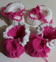 Sapatinhos de bebê ... https://www.facebook.com/catiartesnapk2014