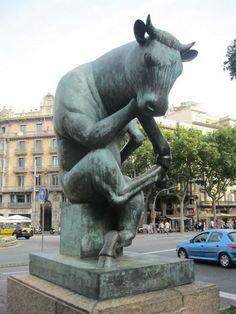 El Toro Sentado. Barcelone.