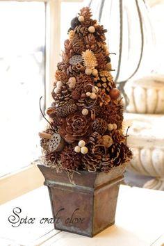 Збираємо шишки та економимо на новорічному декорі! | Ідеї декору