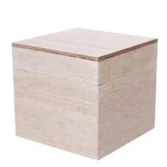 Drewniane pudełko w naturalnym kolorze z wieczkiem stanowi wyjątkową dekorację, oryginalny