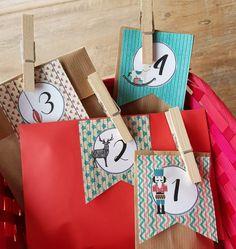 Bolas de Navidad caseras • Celebra con Ana Christmas Crafts, Christmas Ornaments, Christmas Ideas, Hat Tutorial, Decoration, Gift Wrapping, Sewing, Craft Ideas, Christmas Baubles
