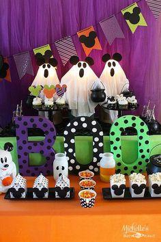 Halloween 1st Birthdays, Disney Halloween Parties, Disney Halloween Decorations, Halloween First Birthday, Halloween Bebes, Mickey Mouse Halloween, Mickey Mouse Birthday, Minnie Mouse Party, 2nd Birthday