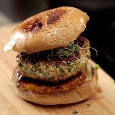 A fun burger recipe when you want something hearty but are looking for a lighter alternative to beef! Save the recipe on our app! http://link.tastemade.com/HE7m/H1wHe4m2mA