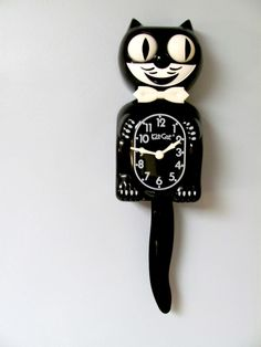 d2fc8b730 Vintage cat clock. NOT COOL. Had one of these in my bedroom when I