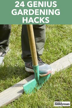 24 Genius Gardening Hacks : 24 Genius Gardening Hacks This collection of gardening and landscaping handy hints will give you effective new techniques to get the beautiful garden and backyard you've always wanted. Lawn Edging, Garden Edging, Lawn And Garden, Garden Tools, Brick Edging, Landscaping Tools, Outdoor Landscaping, Outdoor Gardens, Landscaping Around Deck