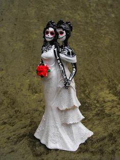this would be my cake topper if i had a gay wedding, cute!!