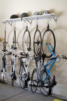 30 Exciting DIY Project Garage Storage And Organization Use A Pallet - Page 18 of 30 Diy Projects Garage, Diy Garage, Garage Organization Tips, Garage Storage, Garage Velo, Bike Hanger, Bike Rack, Bike Storage Solutions, Bike Storage Rack