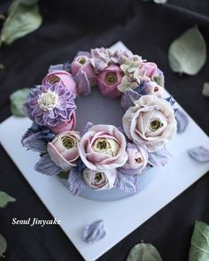 """좋아요 187개, 댓글 5개 - Instagram의 지니케이크 korea flower cake(@seoul_jinycake)님: """"천국에 피어있는 꽃같다고 표현하셨던 쏠티카라멜습식쌀케이크 (심화3주) 진짜넘이뽀 . Made by student . 3월정규모집중)) . . 주문문의.클래스문의는…"""""""