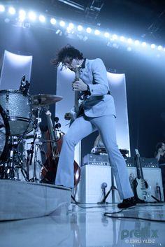 Jack White playing live at Roseland Ballroom (May 22, 2012)