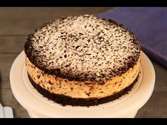 Cheesecake stracciatella rețetă video pas cu pas. Cum să faci un cheesecake cu oreo și bucățele de ciocolată, rapid și delicios, rețeta video. Cheesecakes, Vanilla Cake, Tiramisu, Ethnic Recipes, Youtube, Desserts, Cakes, Tailgate Desserts, Deserts
