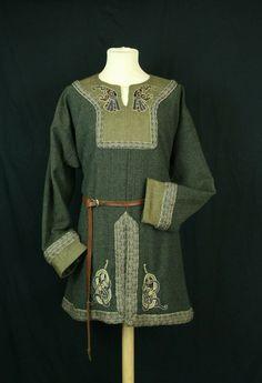 Valgred Tunic Viking Tunic, Viking Armor, Viking Garb, Viking Dress, Medieval Dress, Scottish Clothing, Celtic Clothing, Scottish Fashion, Medieval Clothing