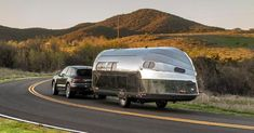 Luxury Campers, Airstream Campers, Luxury Rv, Luxury Travel, Best Motorhomes, Tin Can Tourist, Sites Online, Japan Design, Camping Life