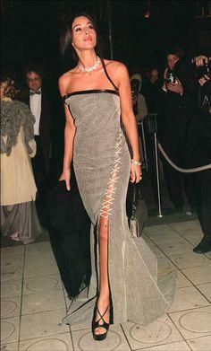 Monica Bellucci à la 26e cérémonie des César, en 2001