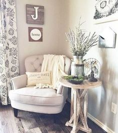 Awesome 80 Bohemian Style Modern Living Room Decor Ideas https://decoremodel.com/80-bohemian-style-modern-living-room-decor-ideas/ #roomdecorations #livingroomideasmodern