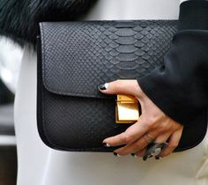 Close up black bag Black street style chic fashion outfit