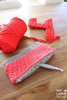Not 2 late to craft: Estoig bicolor pel 4rt aniversari! Patró gratuït / 4rth blog anniversary and bicolor pouch free pattern