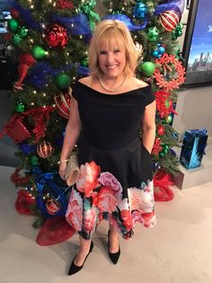 December Holiday Style on petite hourglass Kathie Donovan from Joseph Ribkoff Holiday Style, Holiday Fashion, Hourglass, Joseph, December, Formal Dresses, Dresses For Formal, Vacation Fashion, Formal Gowns