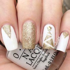 minimalist christmas nails