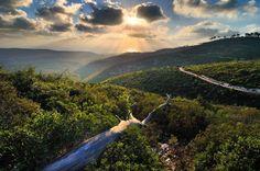 Preciosa imagen del norte de Israel desde el Monte Carmelo cordillera situada sobre el Mar Mediterráneo.
