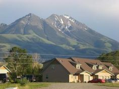 2 bedroom Townhome in Yellowstone, Montana on vacationrentals.com