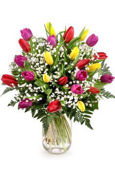 Lalelele sunt flori extraordinare, tinereşti şi vesele, menite a-i face ziua mai luminoasă persoanei care le primeşte! Oferă-i un buchet colorat cu unele din cele mai apreciate flori de primăvară! La Florăria Magnolia le găseşti în fiecare anotimp, gata să înfrumuseţeze ziua cuiva. Comandă lalele online şi ele pot fi livrate la domiciliu prin serviciul propriu de livrare flori prin curier. Gypsophila, Magnolia, Glass Vase, Plants, Decor, Decoration, Magnolias, Plant, Decorating