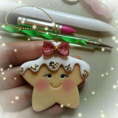 Hottest Free of Charge polymer clay ornaments Style Ideas Cake Christmas Ornament Polymer Clay Polymer Clay Ornaments, Cute Polymer Clay, Polymer Clay Projects, Polymer Clay Charms, Polymer Clay Creations, Diy Clay, Diy Christmas Ornaments, Christmas Crafts, Navidad Diy