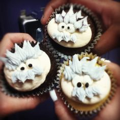 This is hilarious! I was looking for ideas and found a picture that one of the students took of the cupcakes I made for last year's Pi Day :P