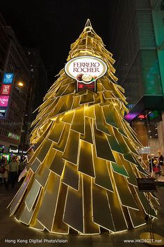 Ferrero Rocher Christmas Tree at Hong Kong iSQUARE iPIAZZA (hkdigit-20121128-195905)