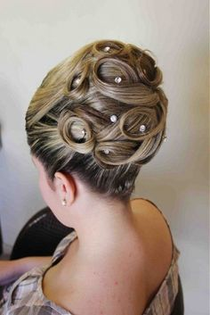 Hair accessories updo up dos Ideas Braided Bun Hairstyles, Wedding Hairstyles For Long Hair, Bride Hairstyles, Straight Hairstyles, Cool Hairstyles, Braided Buns, Medium Hair Styles, Curly Hair Styles, Natural Hair Styles