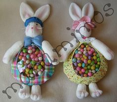 Bunny with Sweets - free pattern Easter Crafts To Make, Crafts To Make And Sell, Fun Crafts, Diy And Crafts, Easter Toys, Diy Ostern, Easter Party, Time To Celebrate, Easter Baskets