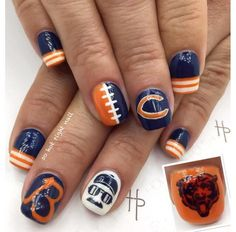 Love these Chicago Bears nail design