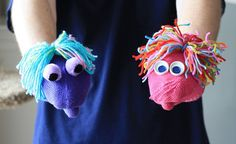 Easy Mitten Puppets by @Amanda Snelson Formaro of Crafts by Amanda