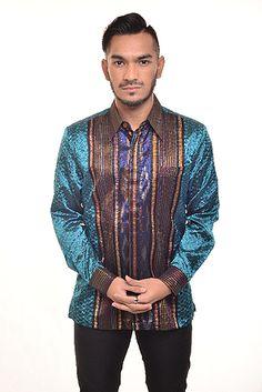 Anakanak muda remaja hingga dewasa sangat menyukai baju batik