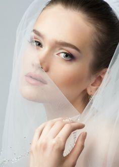Veja os 8 erros de beleza que as noivas cometem no casamento - http://revistamarieclaire.globo.com/Beleza/noticia/2015/05/veja-os-8-erros-de-beleza-que-noivas-cometem-no-casamento.html