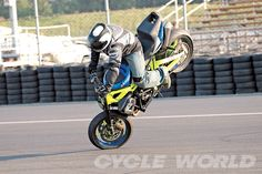 The XDL Meets the FIM- Motorcycle Stunt Competitions – Cycle World