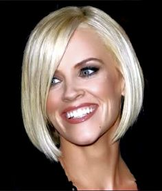 Jenny McCarthy Platinum Blonde Hair Colour Natural Level: 5, Natural Level: 5 Heavy Highlight: White Naturlite Powder (1 scoop) mixed with 30 vol cream developer (2 scoops). Toner: 11HS (1oz), 11HA (1/4oz), Silver Concentrate (cap full) mixed with 10 vol #platinumblonde