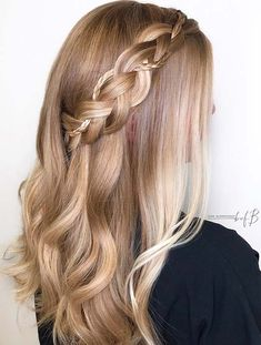 43 Stunning Prom Hair Ideas for 2019 Beautiful Waves and Side Braid Box Braids Hairstyles, Prom Hairstyles, Gorgeous Hair, Beautiful, Moda Emo, Trending Hairstyles, Hair Videos, Hair Looks, Hair Trends