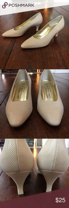 "Bruno Magli Italian pumps Beige Bruno Magli leather pumps made in Italy. Excellent condition. Size 8.5 but runs small, fits like an 8 and slightly narrow. Beautifully made shoe. 2.5"" heel. Bruno Magli Shoes Heels"