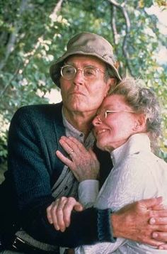 "Henry Fonda & Katharine Hepburn, Norman & Ethel Thayer in their Oscar-winning roles in ""On Golden Pond"", 1981 ~ No other actors could have fit the bill! Katharine Hepburn, Johnny Carson, Old Movies, Great Movies, Cary Grant, Classic Hollywood, Old Hollywood, Movie Stars, Movie Tv"