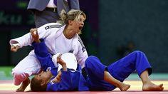 Telma Monteiro conquista ouro.  //  A judoca portuguesa Telma Monteiro conquistou esta quinta-feira a medalha de ouro na competição de -57 kg dos I Jogos Europeus, em Baku, no Azerbaijão, ao derrotar a húngara Hedvig Karakas.