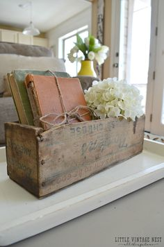 How to Decorate with Vintage Decor Old Books and Vintage Cheesebox #CountryFarmhouseDecor