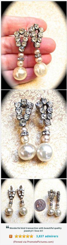 #pearlearrings #handmadeeaarrings #bridal #wedding #rhinestoneearrings #pearls #handmade #vintageassemblage #uniquegifts #gifts www.etsy.com/...  (Pinned using PromotePictures.com)