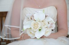 Ivory & Rose Bouquet with Calla Lilies by How Divine - https://www.howdivine.com.au/store/product/ivory-champagne-rose-with-calla-lilies-bouquet