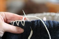 closed blanket stitch on a re-purposed sweater blanket - tutorial on how to make the blanket - DIY Love Sewing Hacks, Sewing Crafts, Sewing Projects, Fabric Crafts, Recycled Sweaters, Wool Sweaters, Sweater Quilt, Sweater Blanket, Wool Blanket
