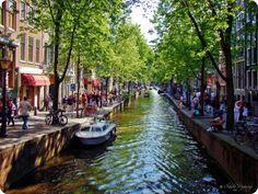 Quel est le meilleur hôtel à Amsterdam pour passer une nuit, un week-end, une ou plusieurs semaines ? Voici une liste dexcellents hôtels à Amsterdam situés au centre ville, proche de la gare ou du célèbre quartier rouge : localisation, propreté, design, services, wifi, piscine, parking, prix  tout le monde recommande ces hôtels !