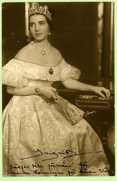 La principessa Ingrid di Svezia (figlia di Margaret), poi regina di Danimarca.